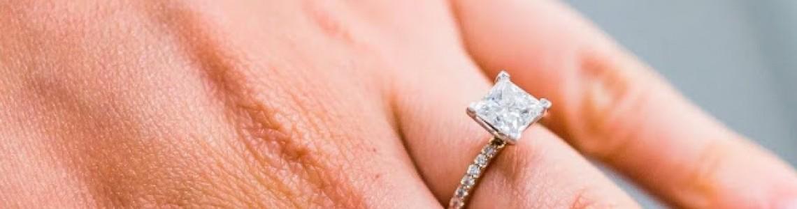 Evlilik Teklifinin Olmazsa Olmazı Tektaşlar