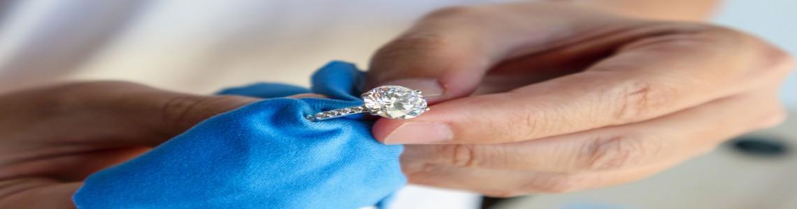 Mücevherlerinizin Bakım Zamanının Geldiğini Nasıl Anlarsınız?